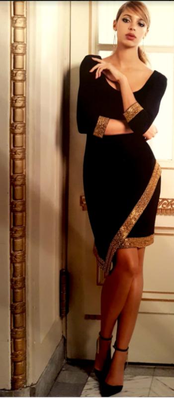 1 - Robe noir et dorée 399